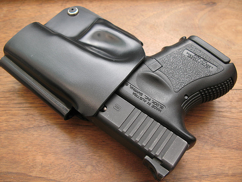 best iwb holster for glock 26, best glock 26 holster, best glock 26 concealed carry holster
